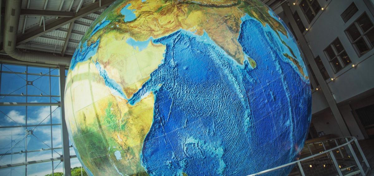 Eartha - plus grand globe rotatif du monde - Guillaume Sciaux - Cartographe professionnel